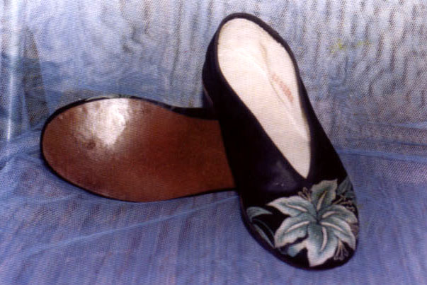 皮底圆口布鞋